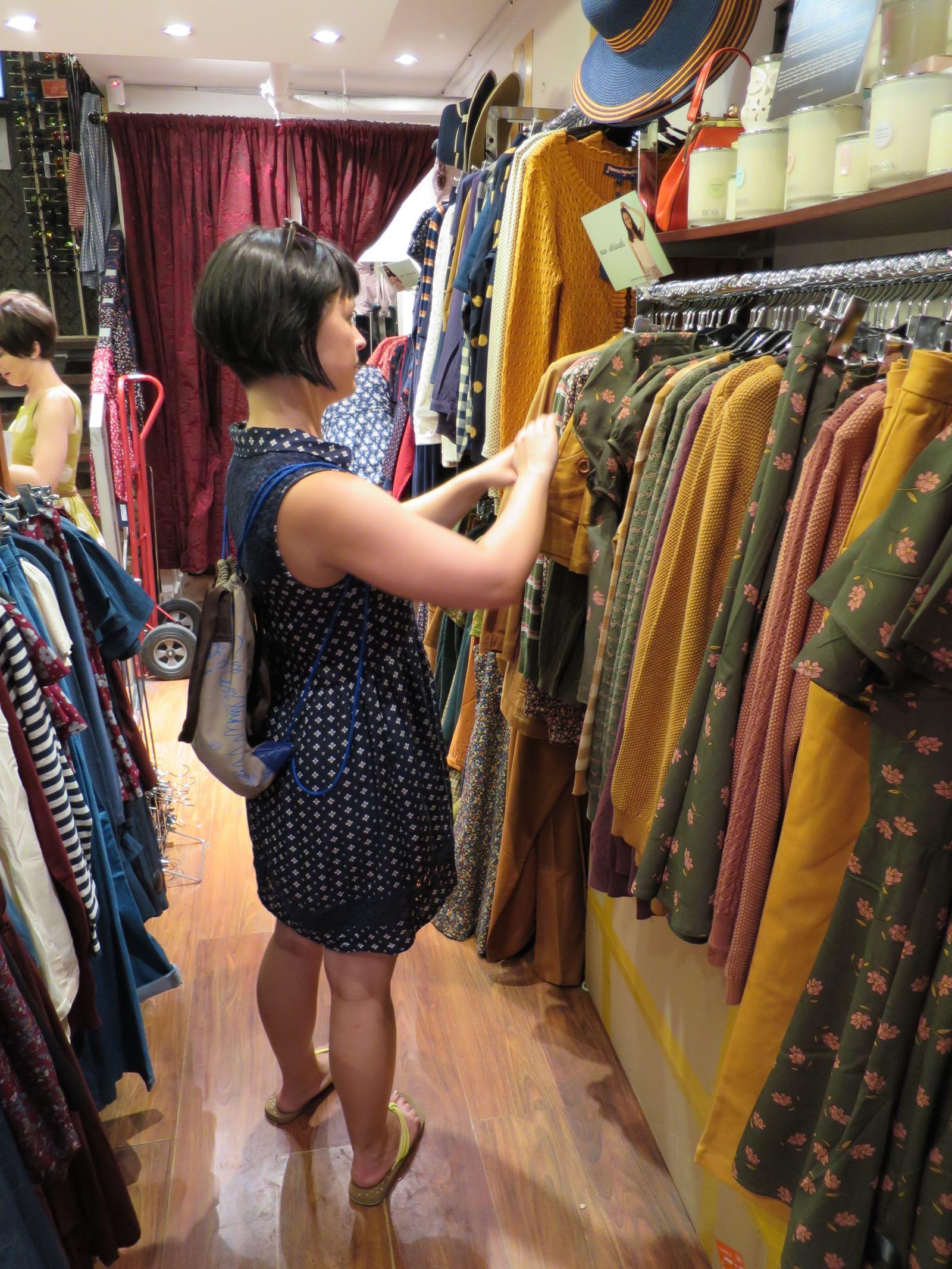 Princess Highwaysta löytyi kivasti leikattuja mekkoja ja paitoja