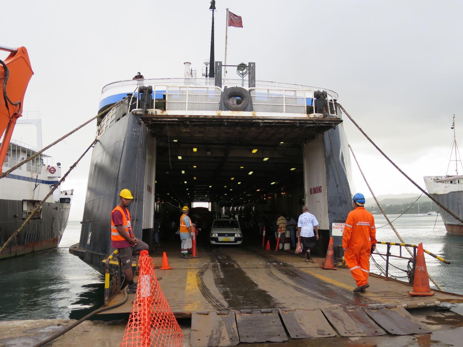 Laivan lastaus