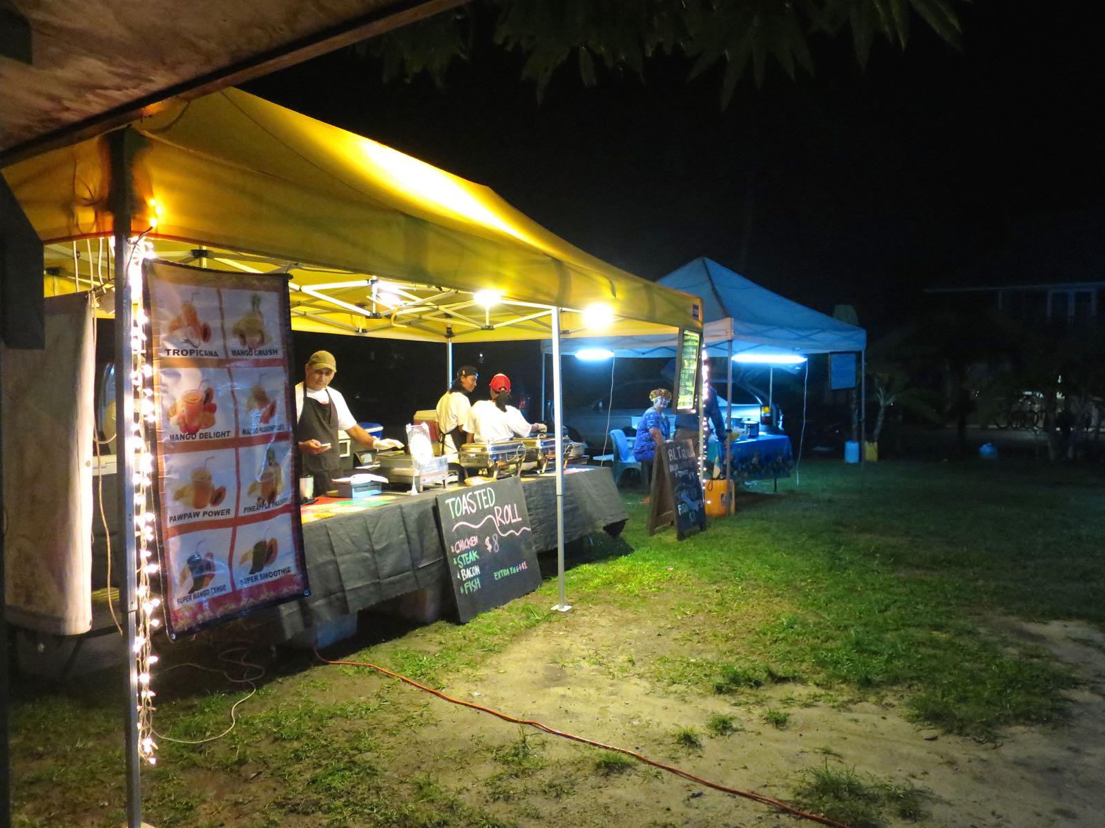 Muri Night Marketilta sai hyvää, joskin usein vähän epäterveellistä ruokaa