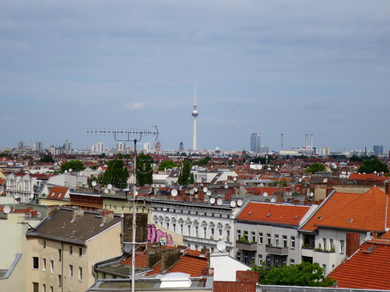 Näkymät Klunkenkranichista kohti Alexanderplatzia