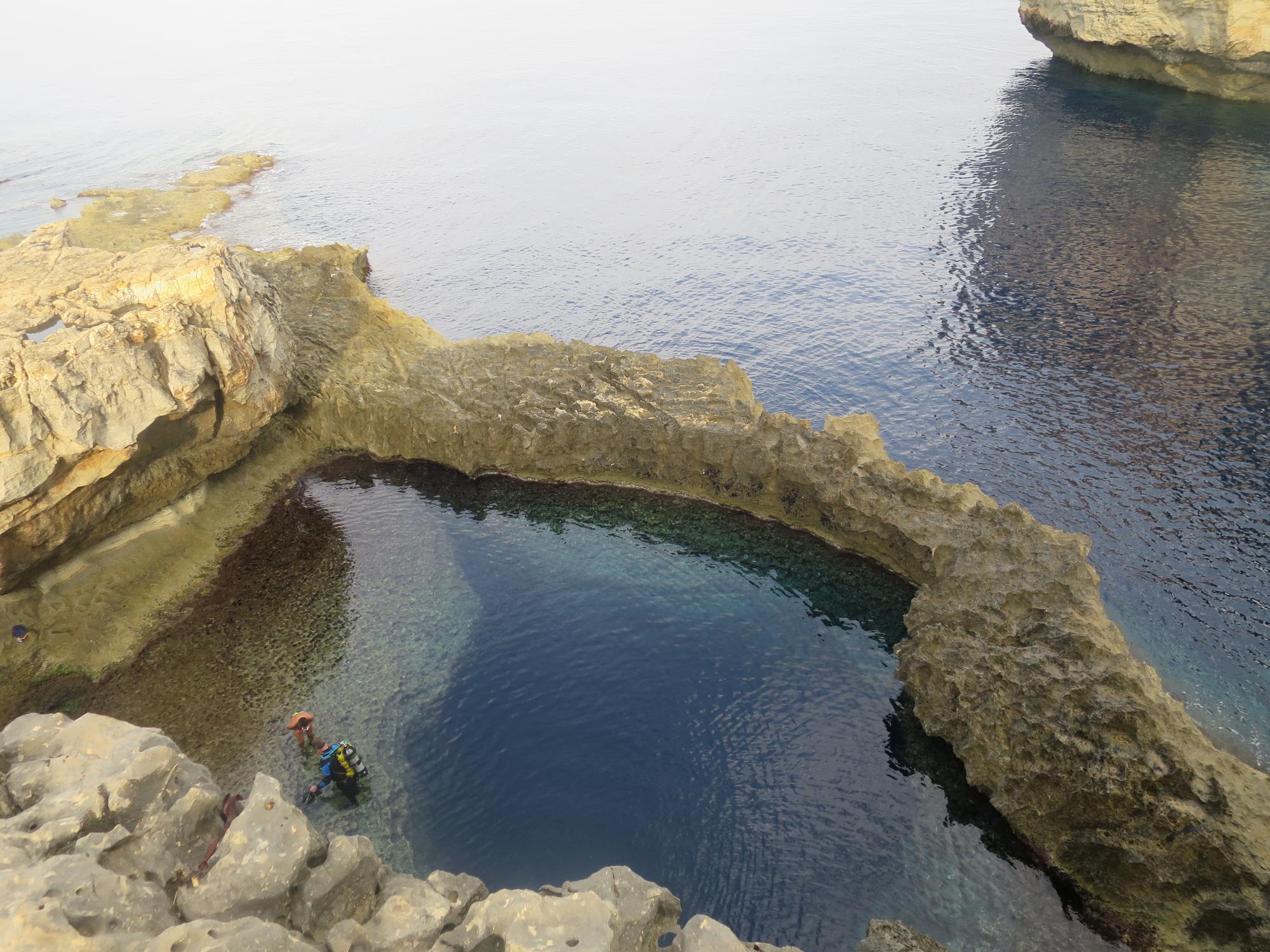 Gozon Blue Hole